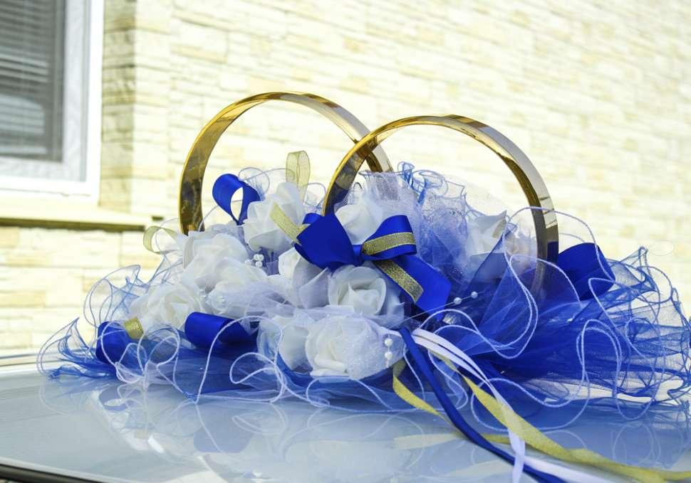 слабость фото свадебных колец на голубом пензе объявлен