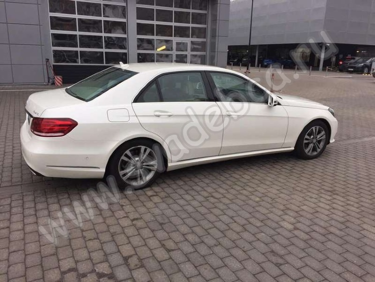 Аренда автомобиля Mercedes-Benz E212 (white restyle)