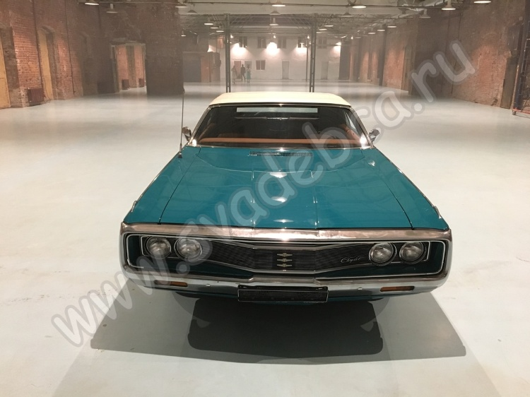 Аренда ретро кабриолета Chrysler Newport